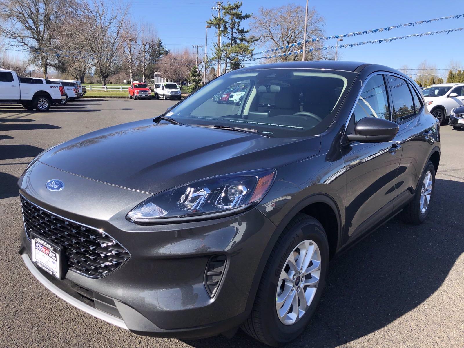 New 2020 Ford Escape SE AWD