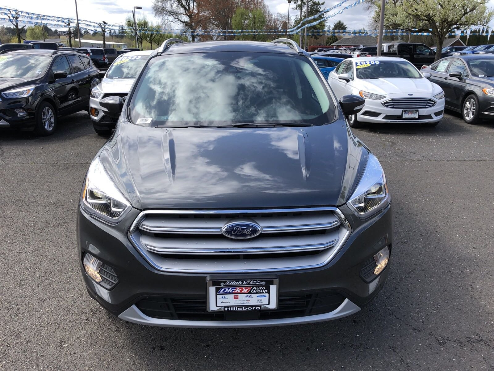 New 2019 Ford Escape TITANIUM 4WD
