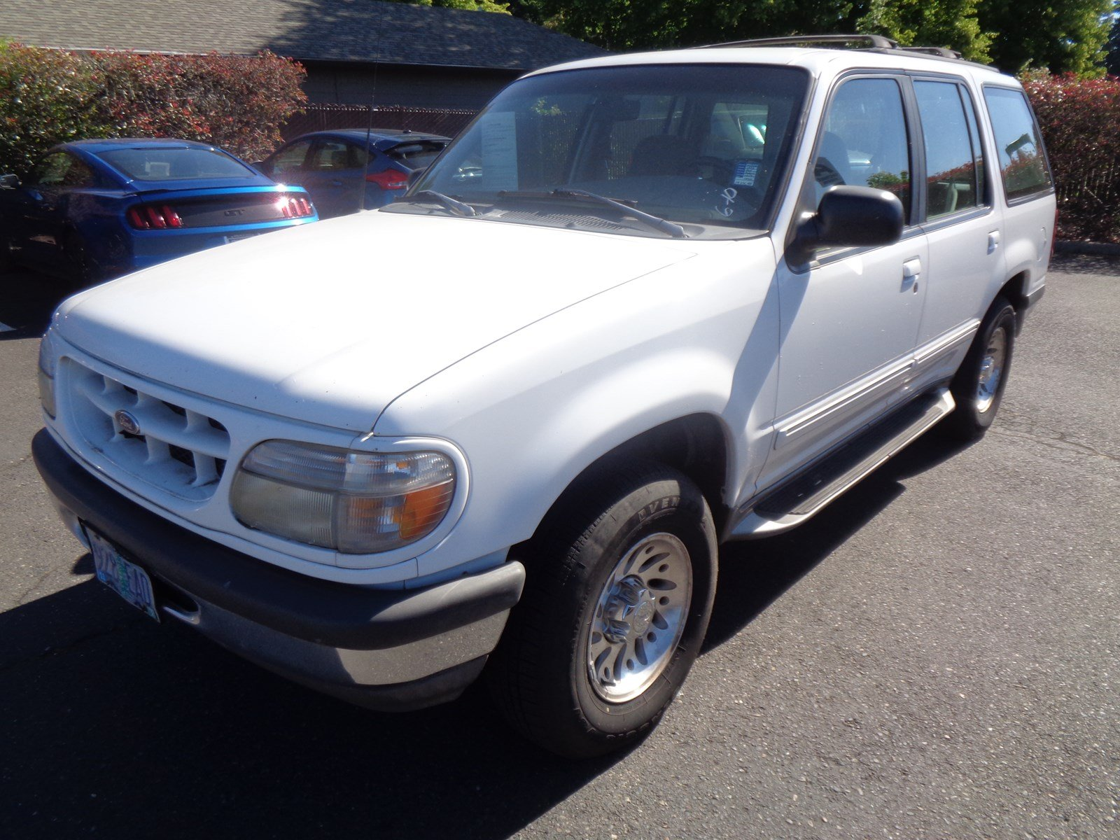 Pre-Owned 1998 Ford Explorer