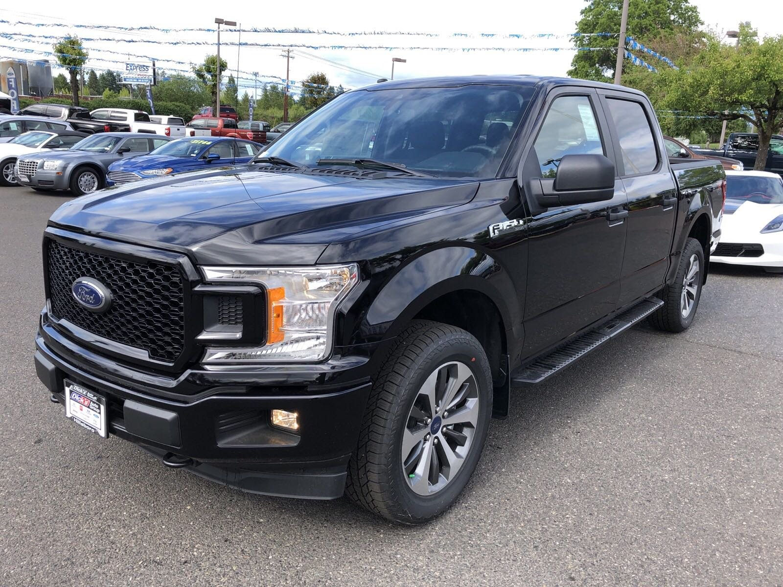 New 2019 Ford F-150 XL 4WD CREW 145