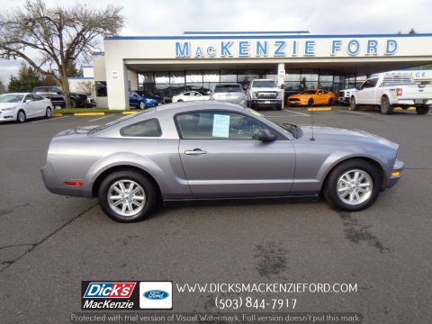 Pre-Owned 2006 Ford Mustang Deluxe
