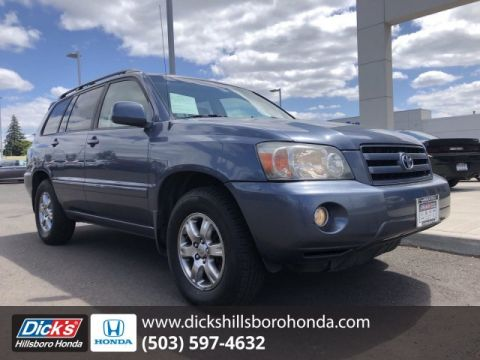 Pre-Owned 2004 Toyota Highlander GRAY